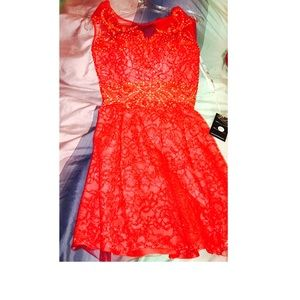 Dresses & Skirts - Brand new red lace party dress xs